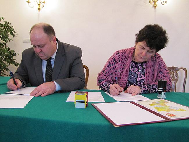 2016-12-30 12.12.16 podpisanie umowy PL UA EU