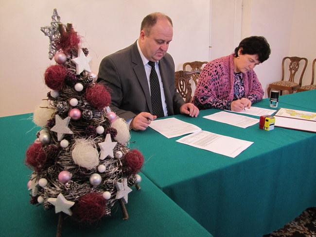 2016-12-30 12.12.34 podpisanie umowy PL UA EU