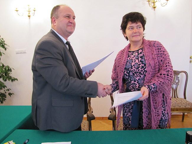 2016-12-30 12.15.39 podpisanie umowy PL UA EU